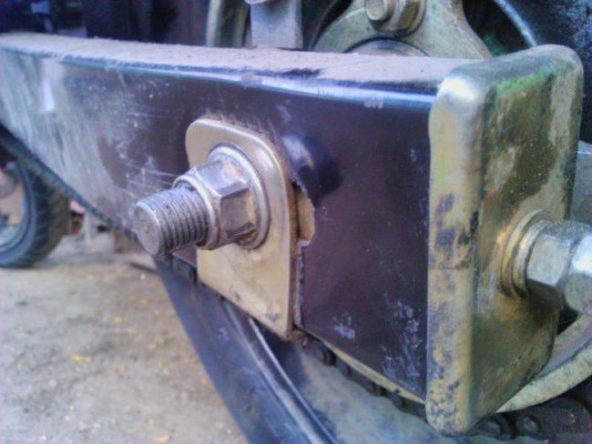 Деформированный маятник задней подвески мотоцикла Stels FLEX 250