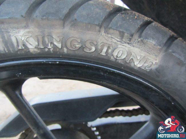 Штатная покрышка kingston на заднем колеса мотобайка Stels FLEX 250
