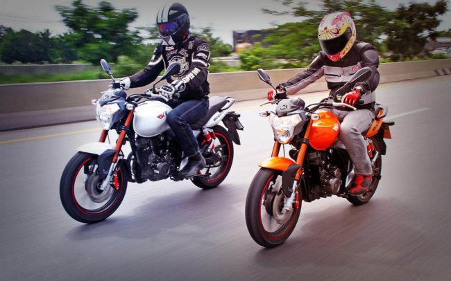 Тест на скорость двух дорожных мотоциклов марки Stels FLEX 250 разной окраски