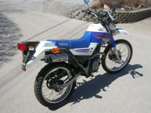 Yamaha SEROW XT 225 в бело-синем пластике