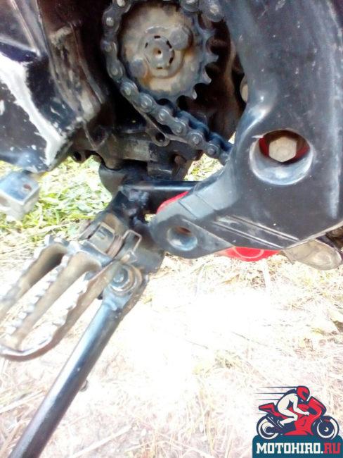 Слабое место крепление подножки к раме мотоцикла IRBIS TTR 125