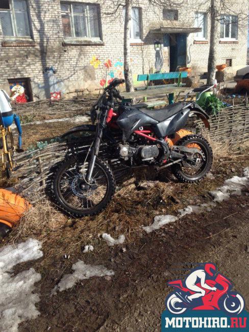Мотоцикл IRBIS TTR 125 после зимы перед первой весенней поездкой