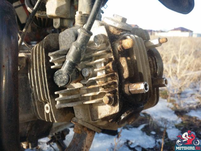 Подтёки масла с двигателя в области клапанной крышки на Ирбис ТТР 125